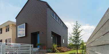 沼津市・三島市他でSQUAREの家具に囲まれてかっこよく暮らす木の家