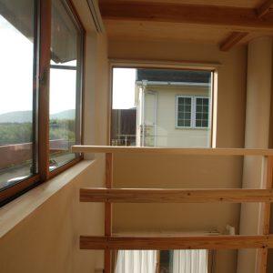駿河湾をのぞむ高台にたつ<br>空が近い家
