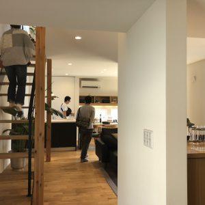 富士市でR+house、鉄骨階段