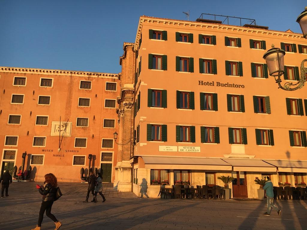 イタリア旅行6 ベニスのホテルとマルクト広場周辺