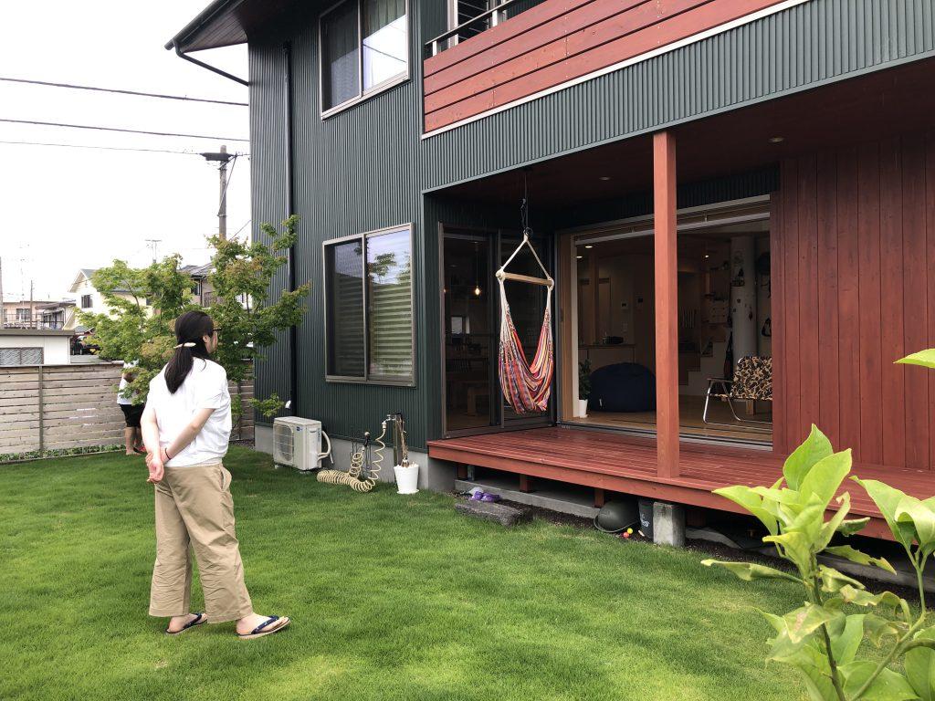 富士市庭の芝生のある家