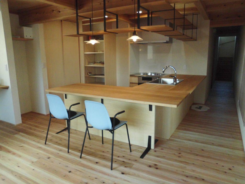 三島市の住宅の木のオーダーキッチン
