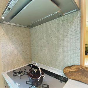完成物件のタイルキッチン