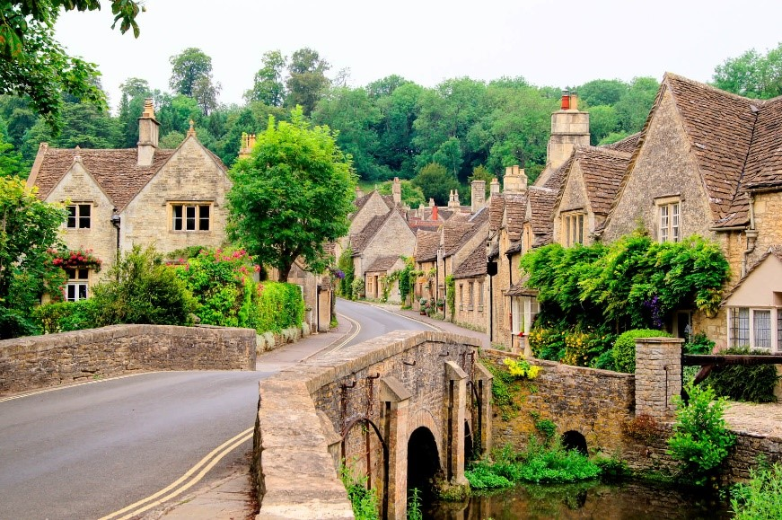 古ければ古い程価値が上がるイギリスの家