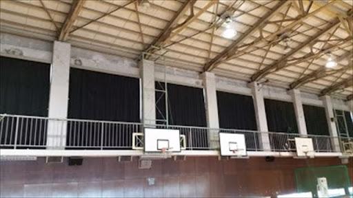 体育館の骨組み