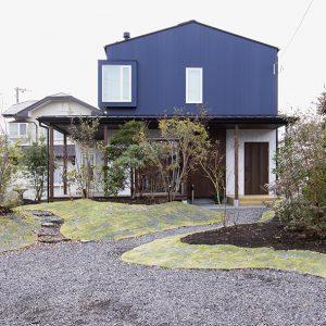 小道風アプローチのお庭,富士宮市