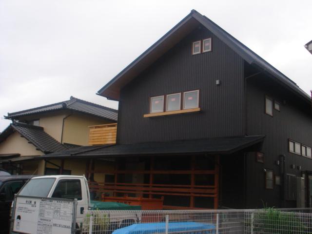 三島のOMソーラーハウス完成真近です。