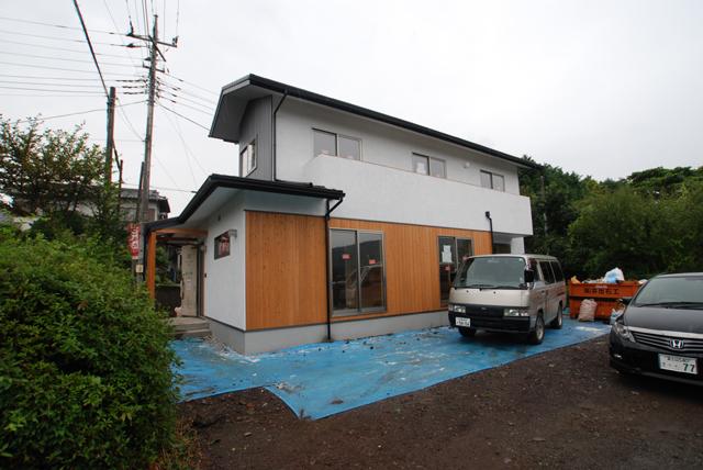 富士山檜輝(ひのき)を使った森林認証(SGEC)の家、もうすぐ完成です。