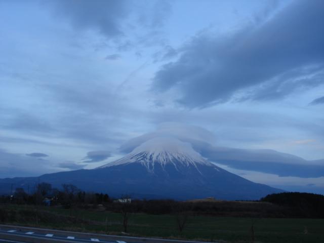これもまた、印象的な富士山の姿