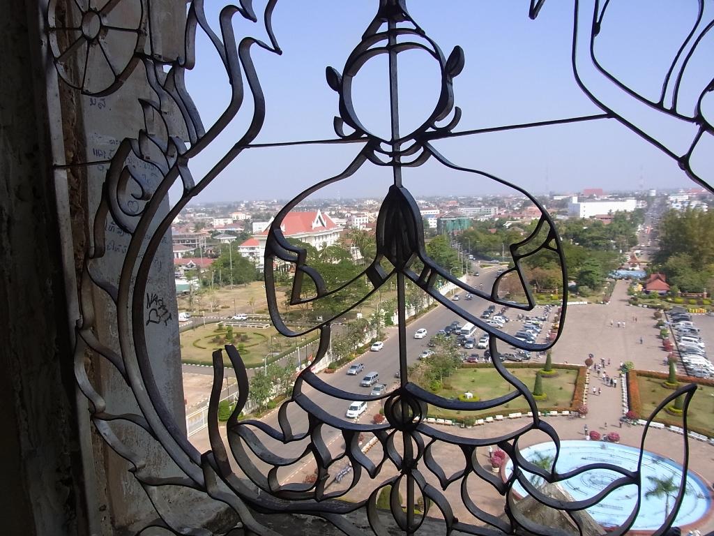 ラオス旅行:首都ビエンチャンの仏教建築