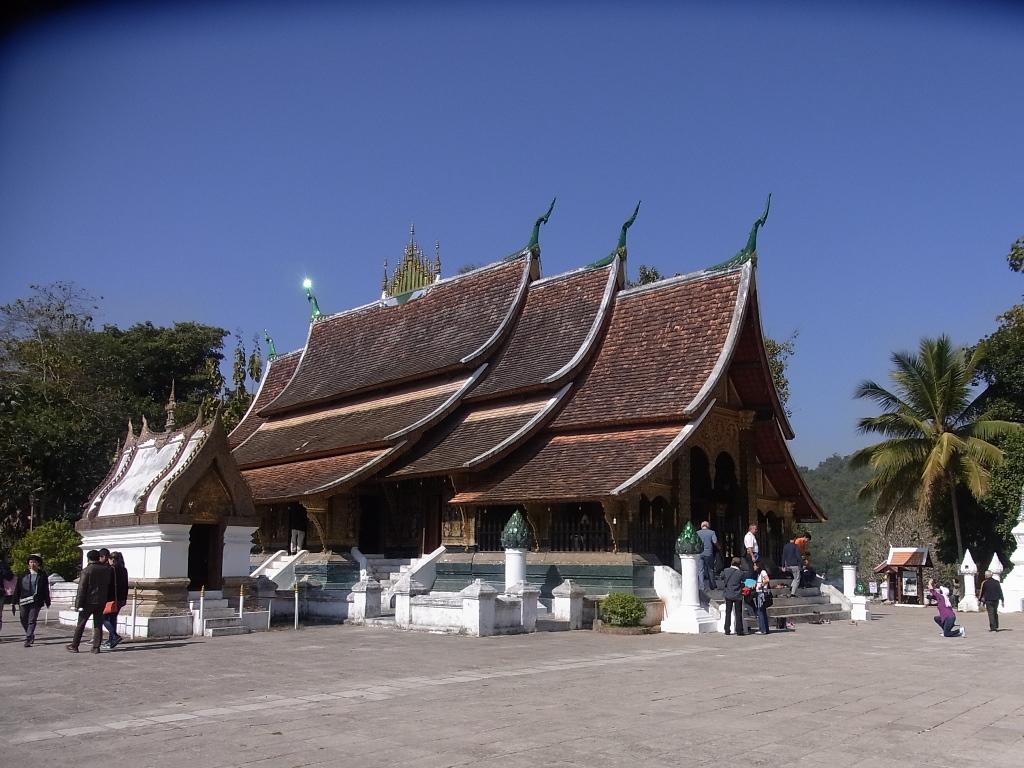 ラオスで一番のお寺はやはりワットシェントーンでしょう