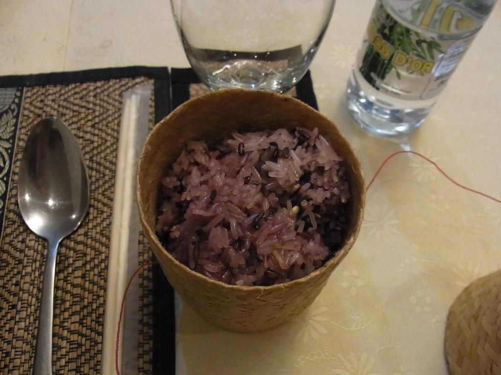 ラオスのご飯はとても美味しかったです。