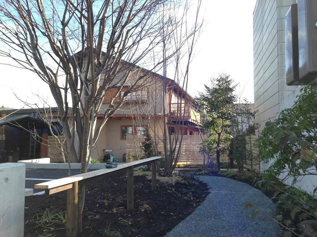 富士宮のけやきのある家の外溝工事が終わりました。