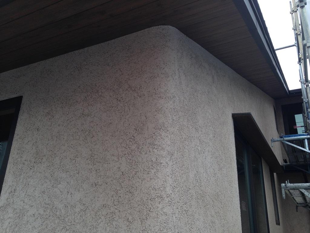 サンルームのある2世帯住宅外観が出来上がってきました。