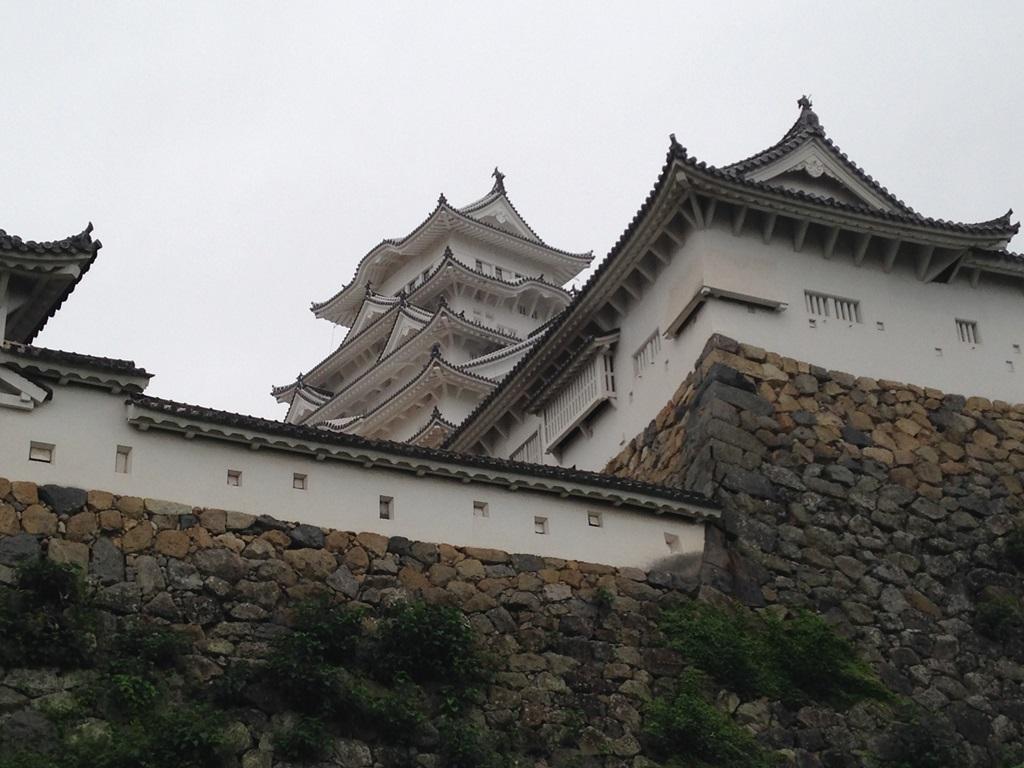 大改装を終えた姫路城はしらさぎのように白かったです。